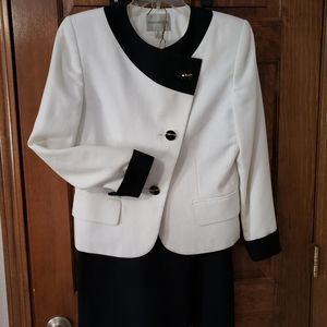 Women's Amanda Smith Petites suit